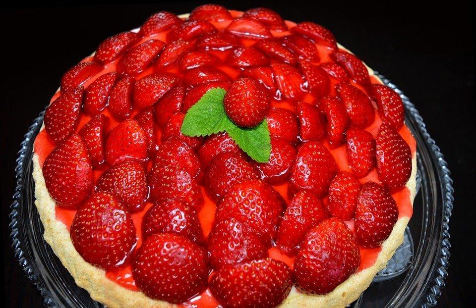 Tarta de fresa con crema pastelera